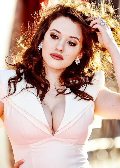 Kat Dennings. she is so damn pretty!