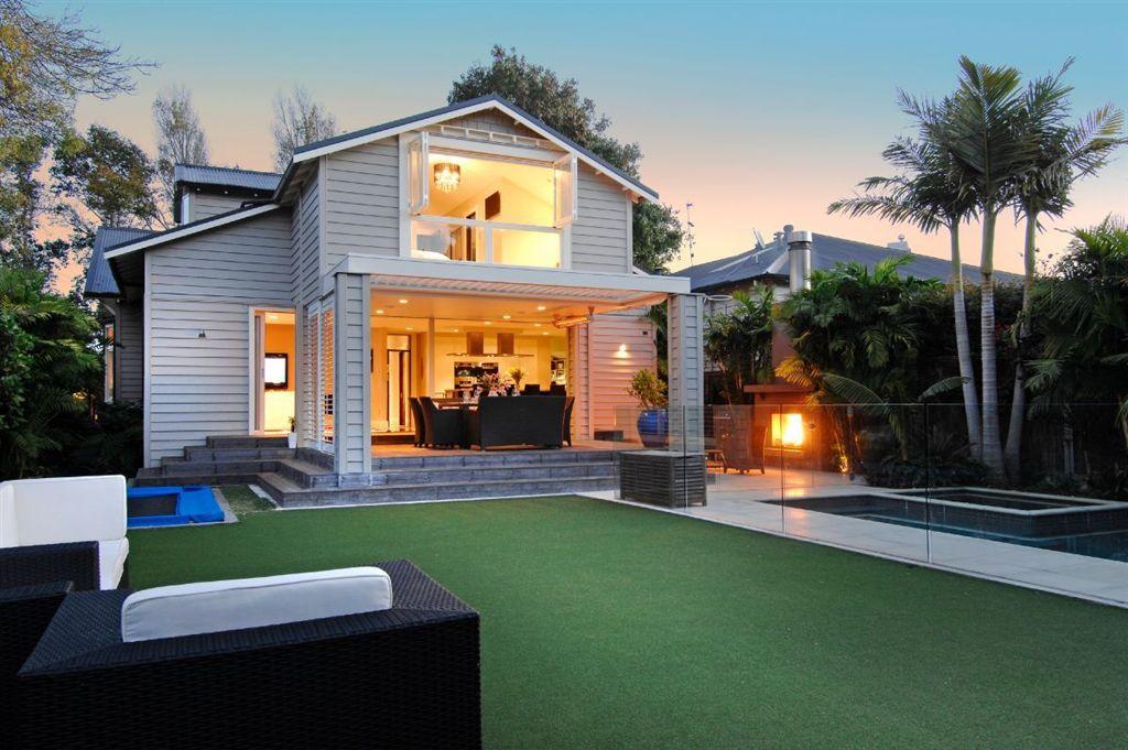 bungalow backyard landscaping   Backyard patio, Backyard ...