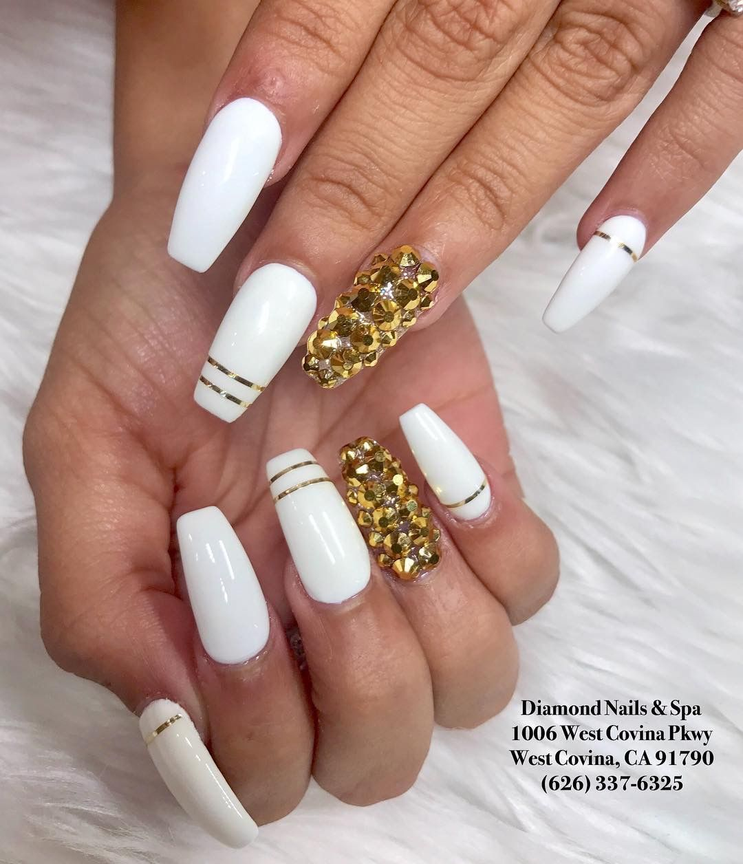Pin By Ayanna Cyra On Nails With Images Chrome Nails Nails
