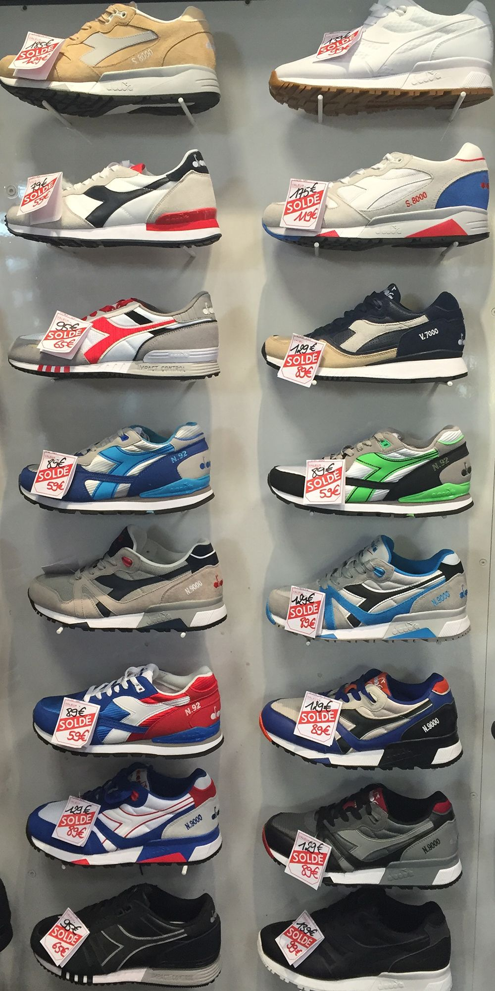 d3cefe16476 Les Sneakers Baskets Diadora pour Homme   Femme sont en soldes chez Parano  Shoes.