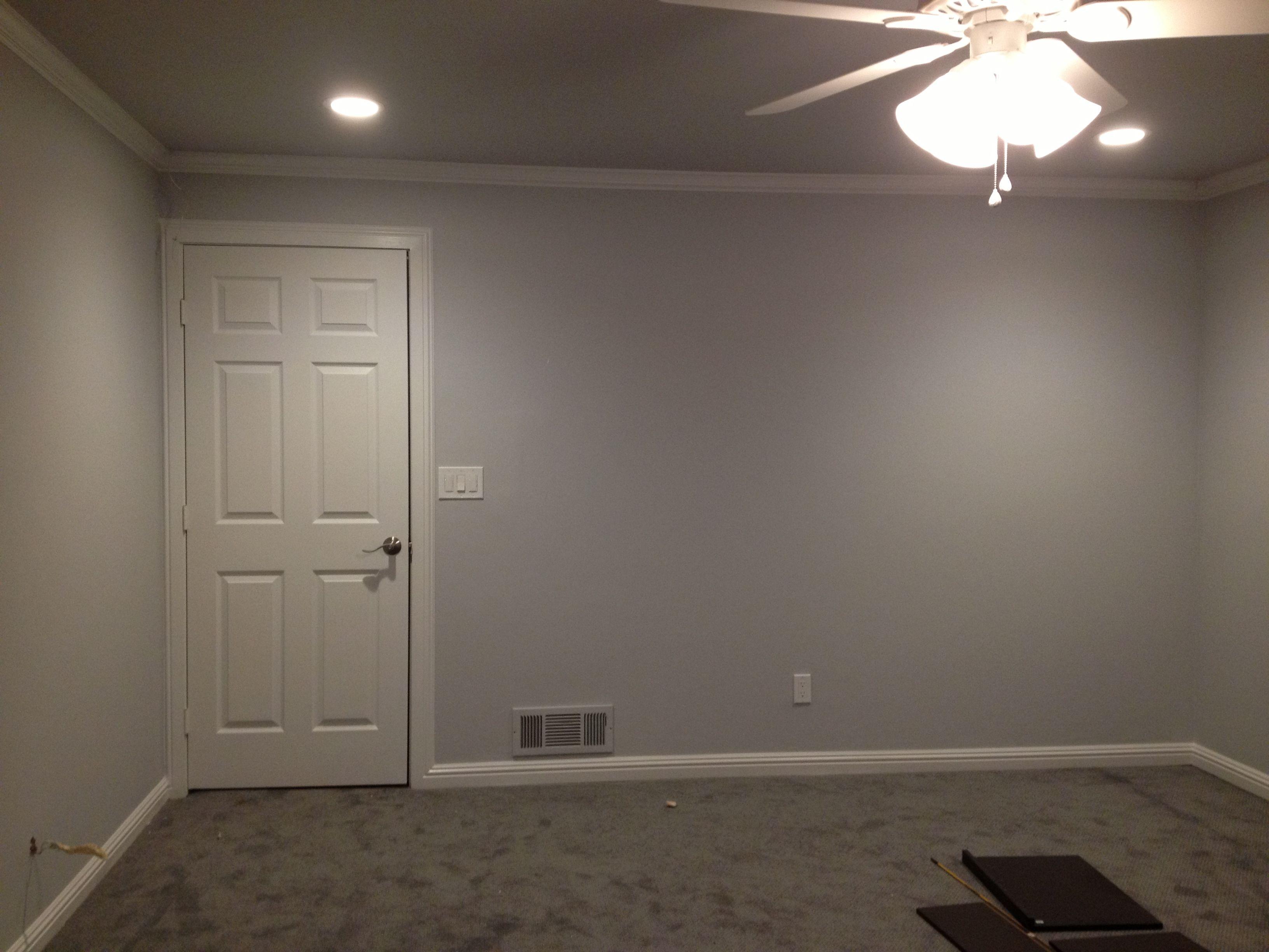 Master Bedroom In Benjamin Moore Perspective Csp 5 Trim In Wedding Veil White 2125 70