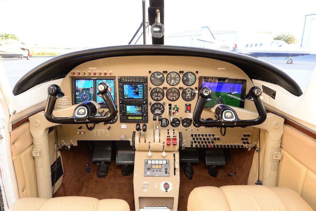 1975 Aero Commander 500S, Shrike Commander Cockpit with