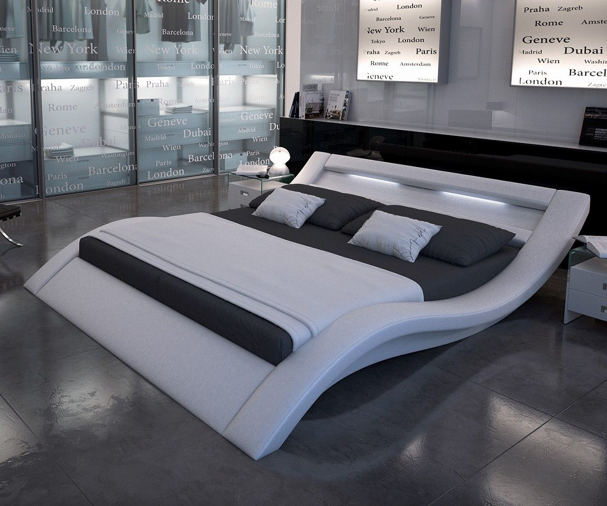 Polsterbett Leonas 200x200 cm Weiss mit Beleuchtung Bett