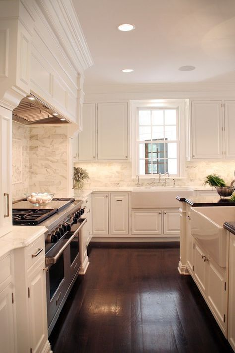 19 Antique White Kitchen Cabinets Ideas With Picture Best White Kitchen Traditional Classic White Kitchen White Kitchen Design
