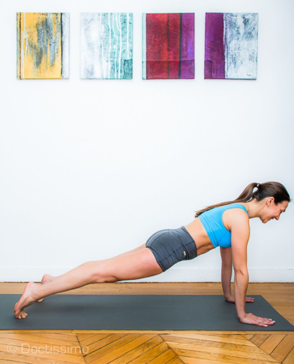 Posture De Yoga Posture De La Planche Ou Kumbhakasana Posture De Yoga Yoga Debutant Et Yoga