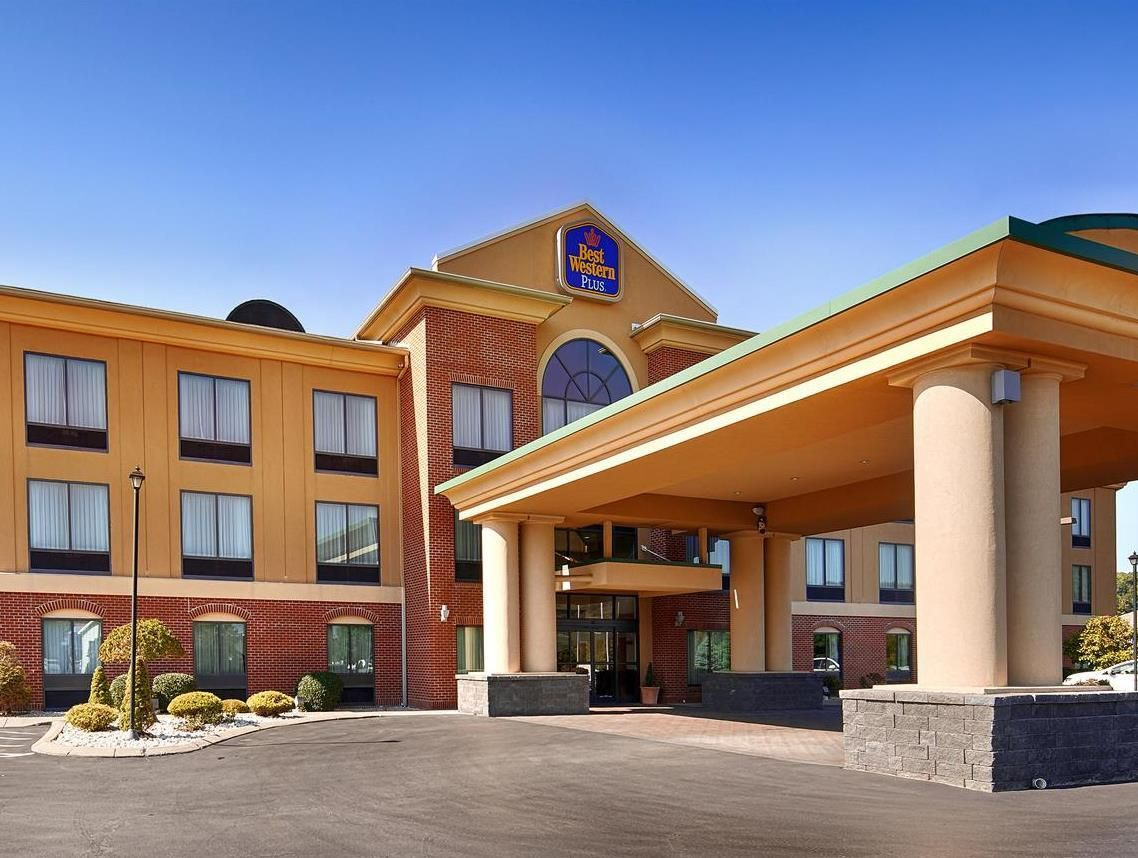 Clearfield (PA) Best Western PLUS Clearfield United States, North America Ideally located in the prime touristic area of Clearfield, Best Western PLUS Clearfield promises a relaxing and wonderful visit. Both business travelers and tourists can enjoy the hotel's facilities and services. To be found at the hotel are 24-hour front desk, express check-in/check-out, luggage storage, Wi-Fi in public areas, car park. Each guestroom is elegantly furnished and equipped with handy ameni...