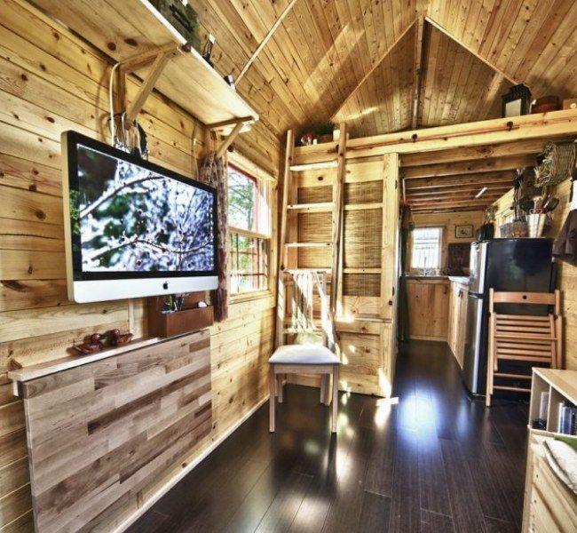 Trailer De Madeira Possui Cozinha Sala Quarto Banheiro