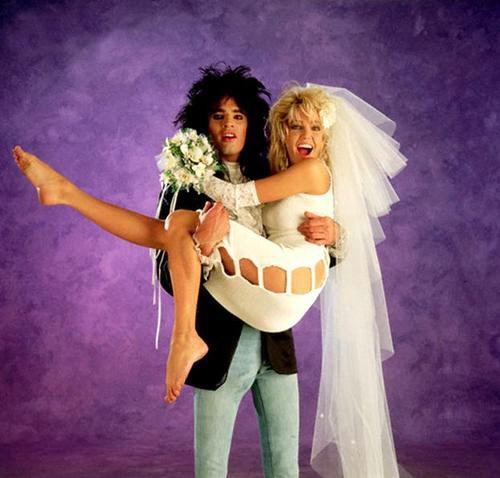 Tommy Lee Y Heather Locklear 1986 Tommy Lee Celebrities Celebrity Bride