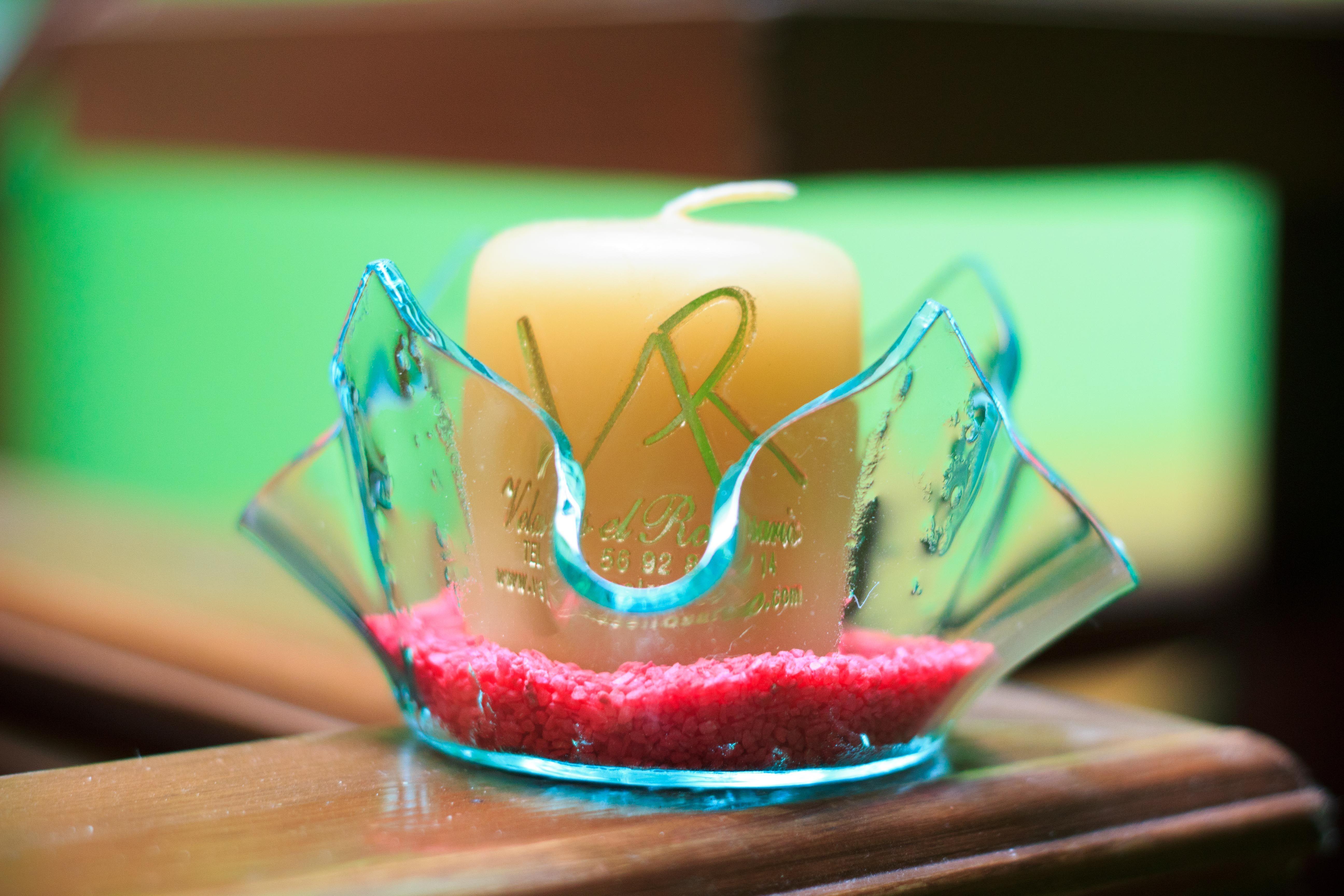 Vela de 5x5 cm grabada con base de cristal amorfa velas - Base de vela ...