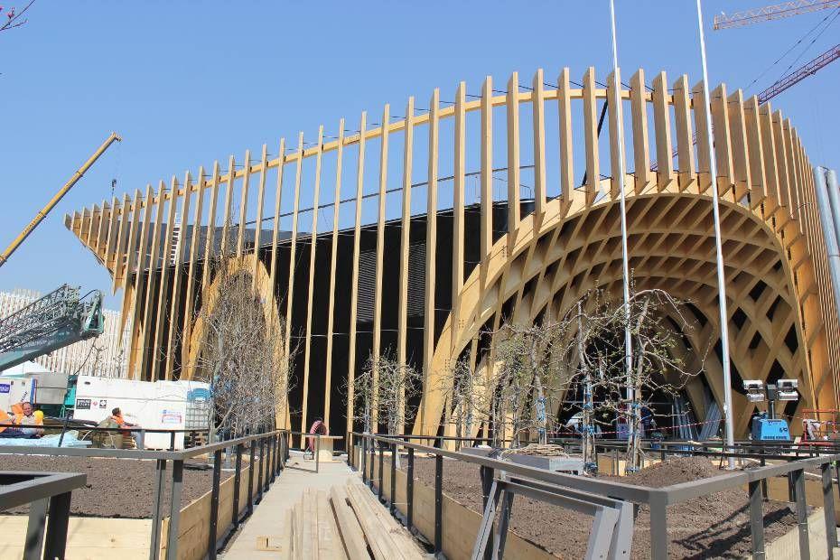 Le pavillon fran ais tout en bois de l 39 exposition for Architecture totalitaire