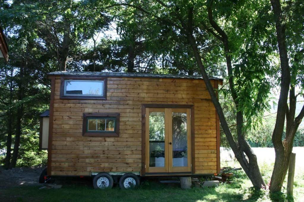 The Tiny House Cabin In Vancouver Canada Tiny Houses For Rent