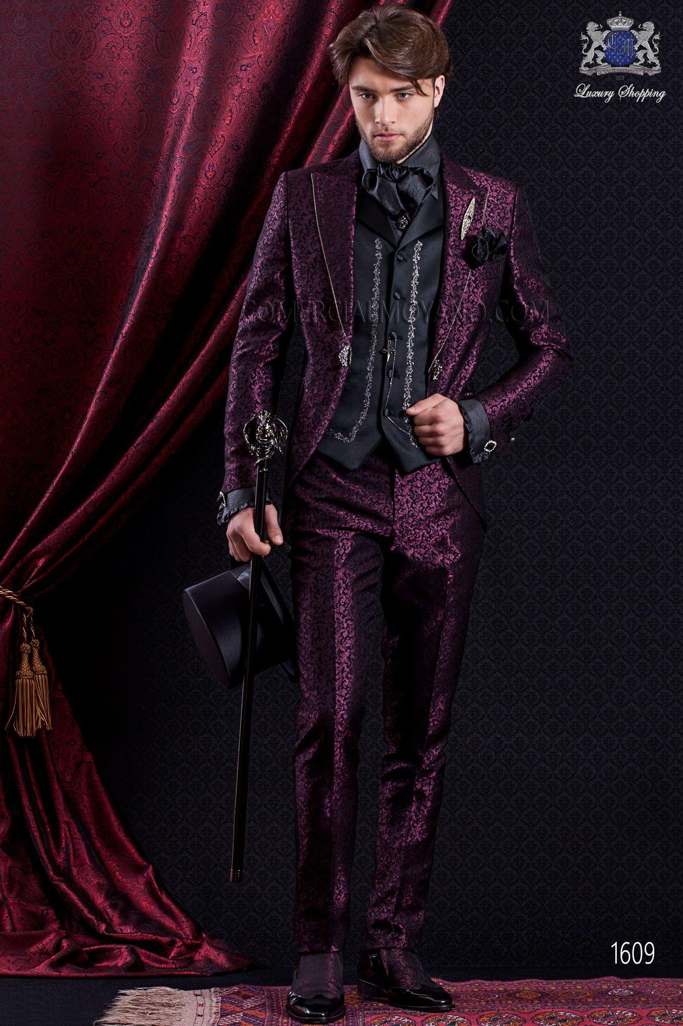 Anzug Barock. Klassiker Anzug Mantel schwarzem Stoff