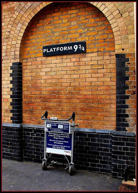 157 Harry Potter Platform 9 3 4 Things To Do In London London Kings Cross Station