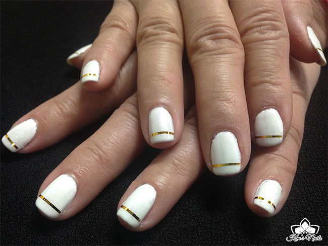 artic white (gel II) + contrasting metalic gold strips, gives a very ...