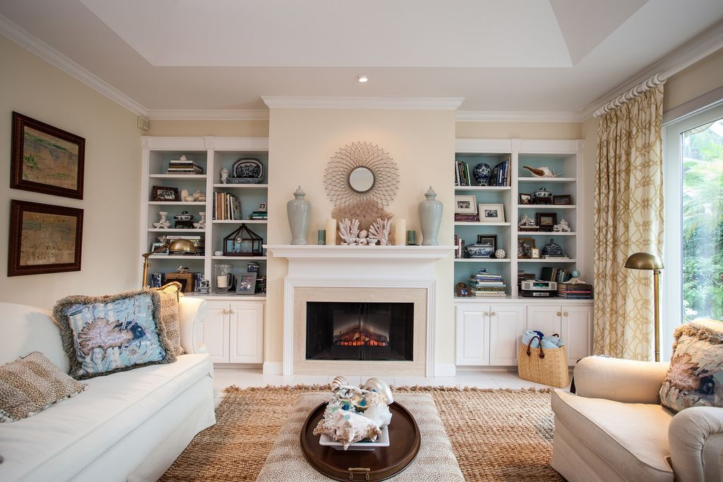 Traditional Living Room with High ceiling, Crown molding ...