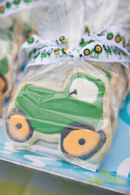 We Heart Parties: Party Information - Tyler's Tractor 2nd Birthday?PartyImageID=0958151f-6f39-491d-8da5-0787968464e4