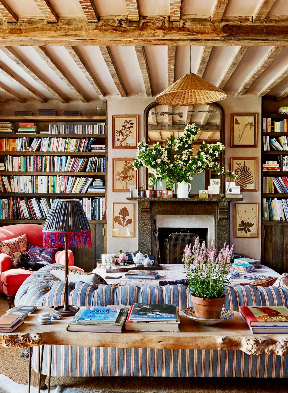 How to Decorate Your Home in the English Country House Style #countryhousedecor