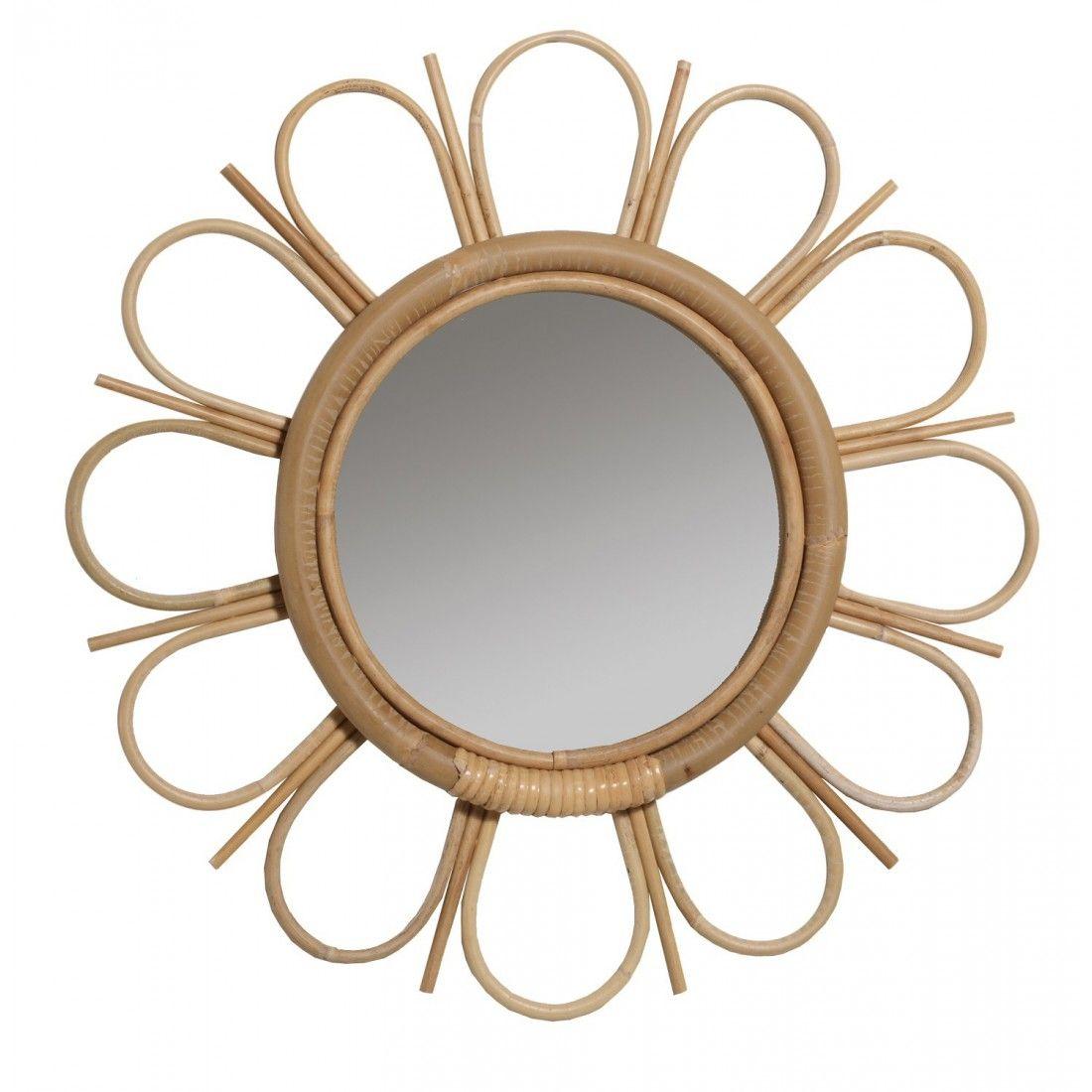 L esprit rétro de ce miroir se retrouve aussi bien dans son matériau, le  rotin, que dans sa forme, la marguerite. 79e6449ce4c0