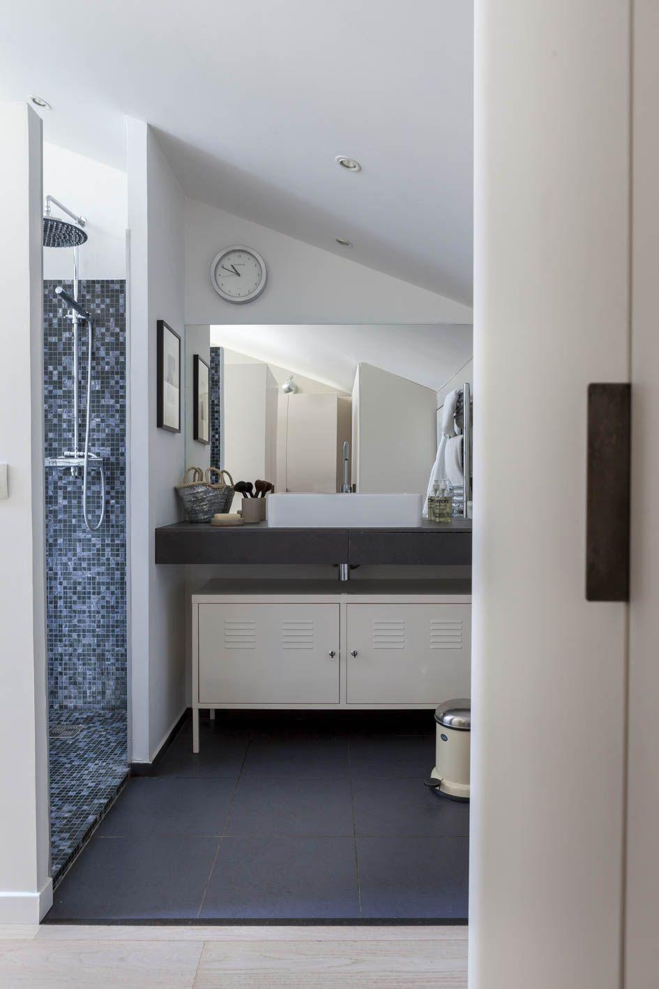d couvrez la r novation de ce loft en r gion parisienne rendu chaleureux gr ce un superbe. Black Bedroom Furniture Sets. Home Design Ideas