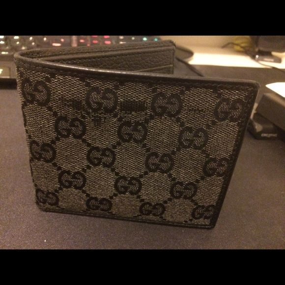 d7b94499ac65 Gucci GG Monogram Canvas Leather Wallet 100% Authentic Gucci men wallet