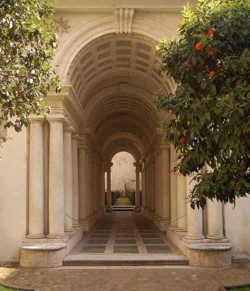 Rome Galeria: Roma. Palazzo Spada, La Famosa Galleria Trompe