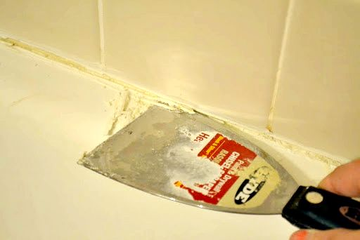 Re Caulking Your Shower Part I Prep With Images Diy Home Improvement Home Improvement Home Diy