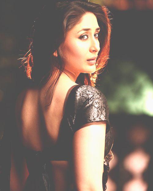 Pin By Natalia Sheharzaad On Karina Kapoor Kareena Kapoor Images Kareena Kapoor Wallpapers Kareena Kapoor
