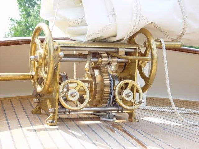 LVJ Anchor Winches