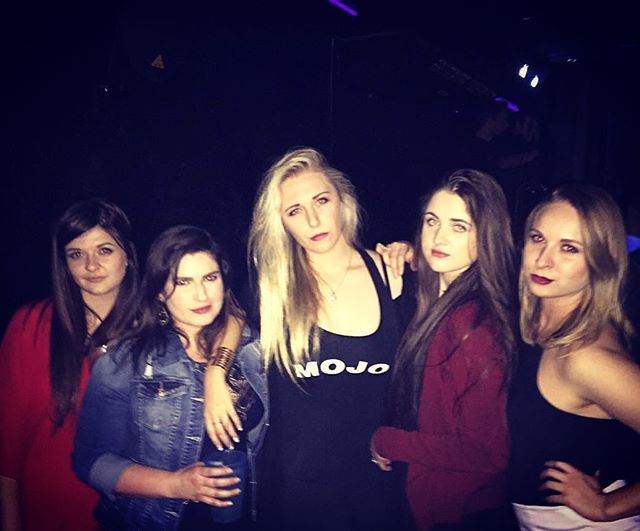 l a d i e s  n i g h t 💅🏼🍹💃🏻#asjylagisjysag #ladiesnight #mvg #nwu #squadgoals #slay #topnight