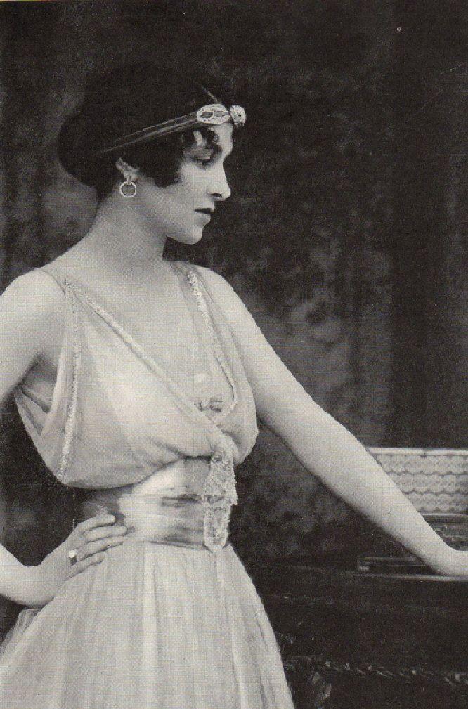 1916 Photo Illustration Beautiful Woman Victorian -5301