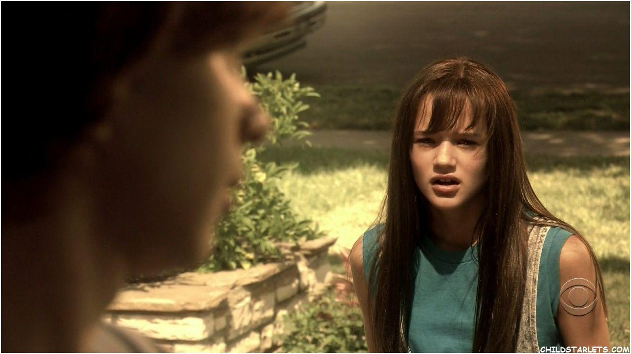 Young Dexter And Debra Morgan In Season 1 Dexter