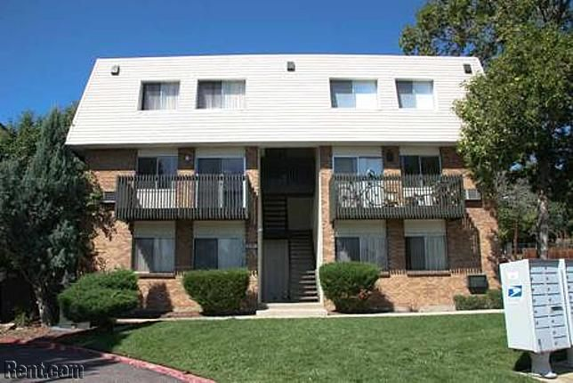 Canyon Crest 5754 South Lowell Way Littleton Co 80123 Rent Com Apartments For Rent Canyon Littleton