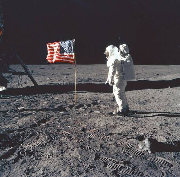 1969- Neil Armstrong becomes the first man to set foot on the moon.