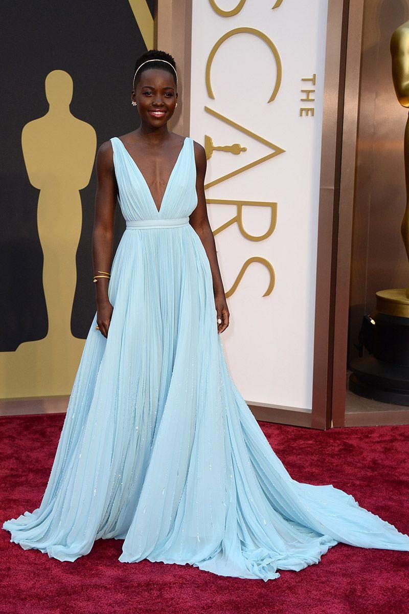 93471efbce1 Oscar 2014  Lupita Nyong o con el look más elegante de la noche ...