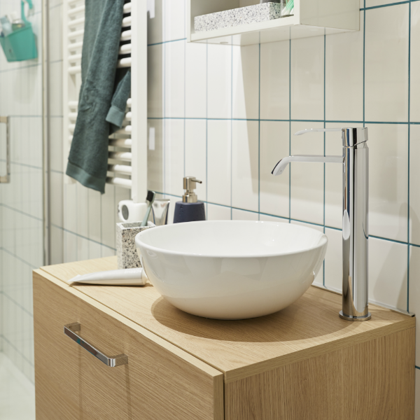 Les joints de carrelage bleus donnent de la vitalit un - Joint pret a poser salle de bain ...