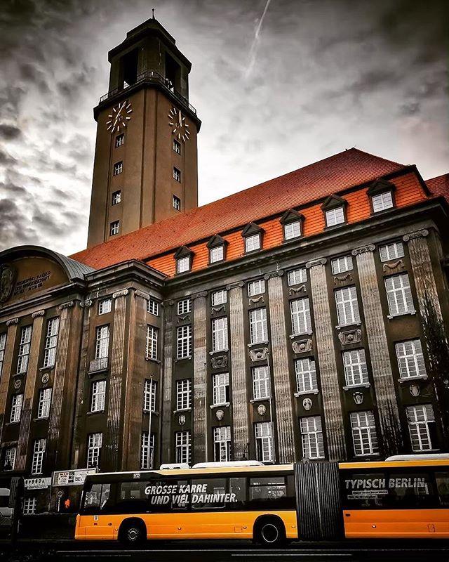 Pin Von Suzanne Peel Auf Rings And Things Berlin Stadt Berlin Spandau Rathaus