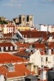 hermoso paisaje urbano de Lisboa con S? Catedral, Portugal  stock photography