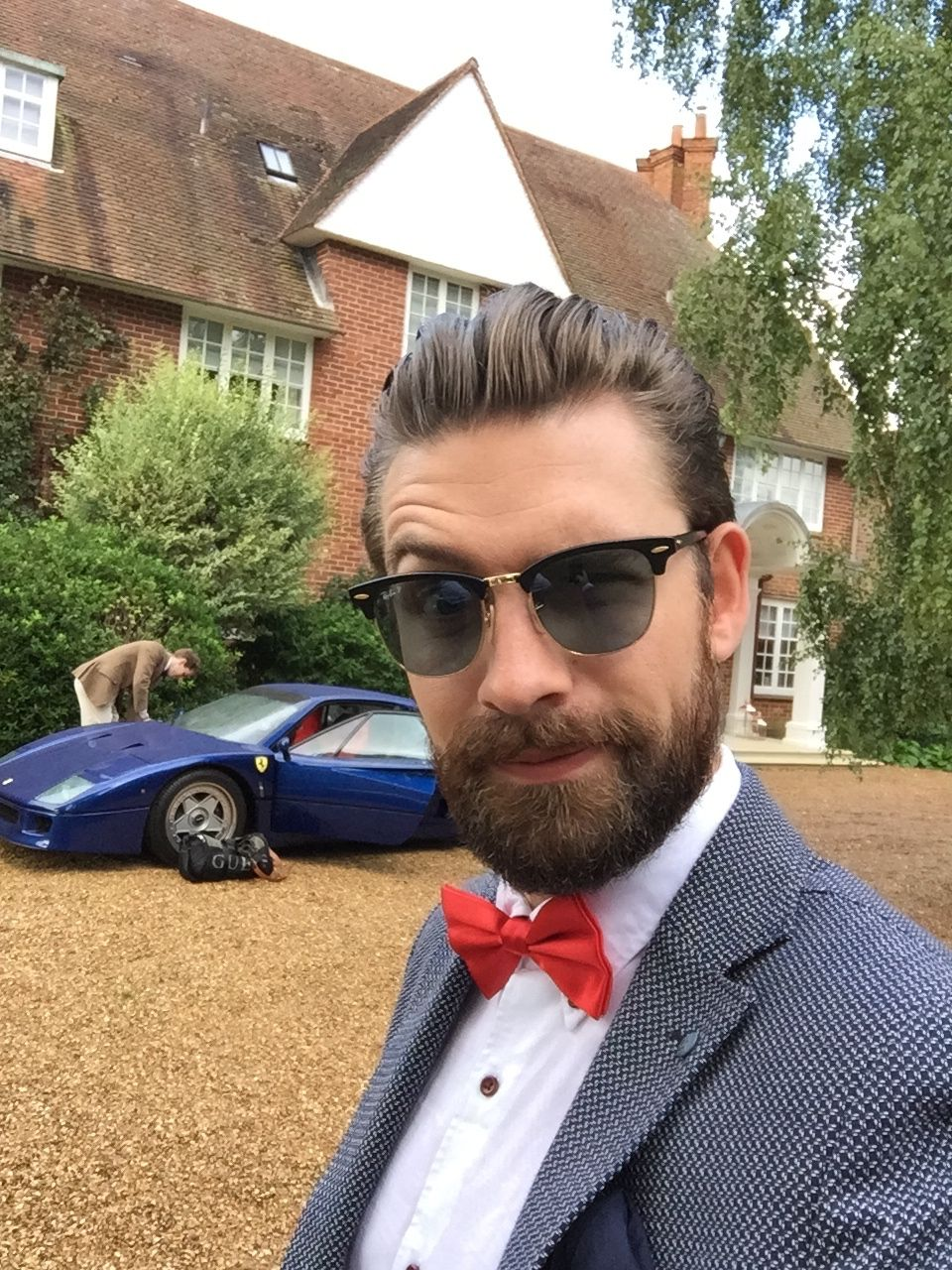 What sunglasses does Mr JWW wear? - Image result for Mr JWW wears aviators