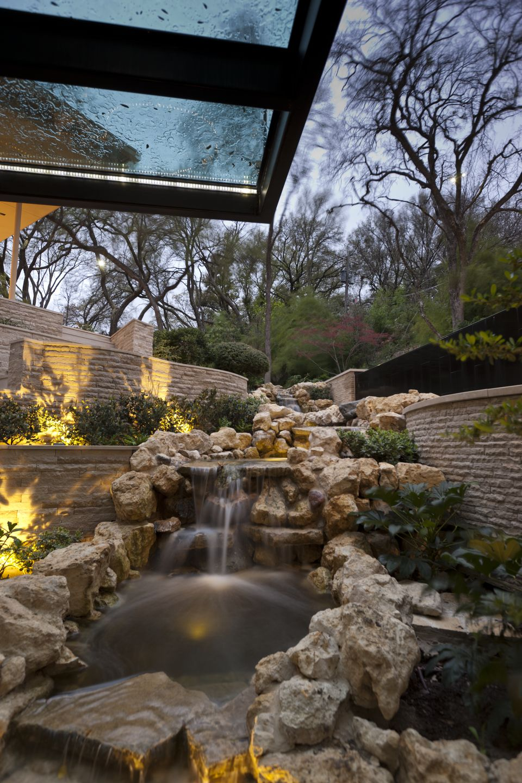 The Glass House Stream
