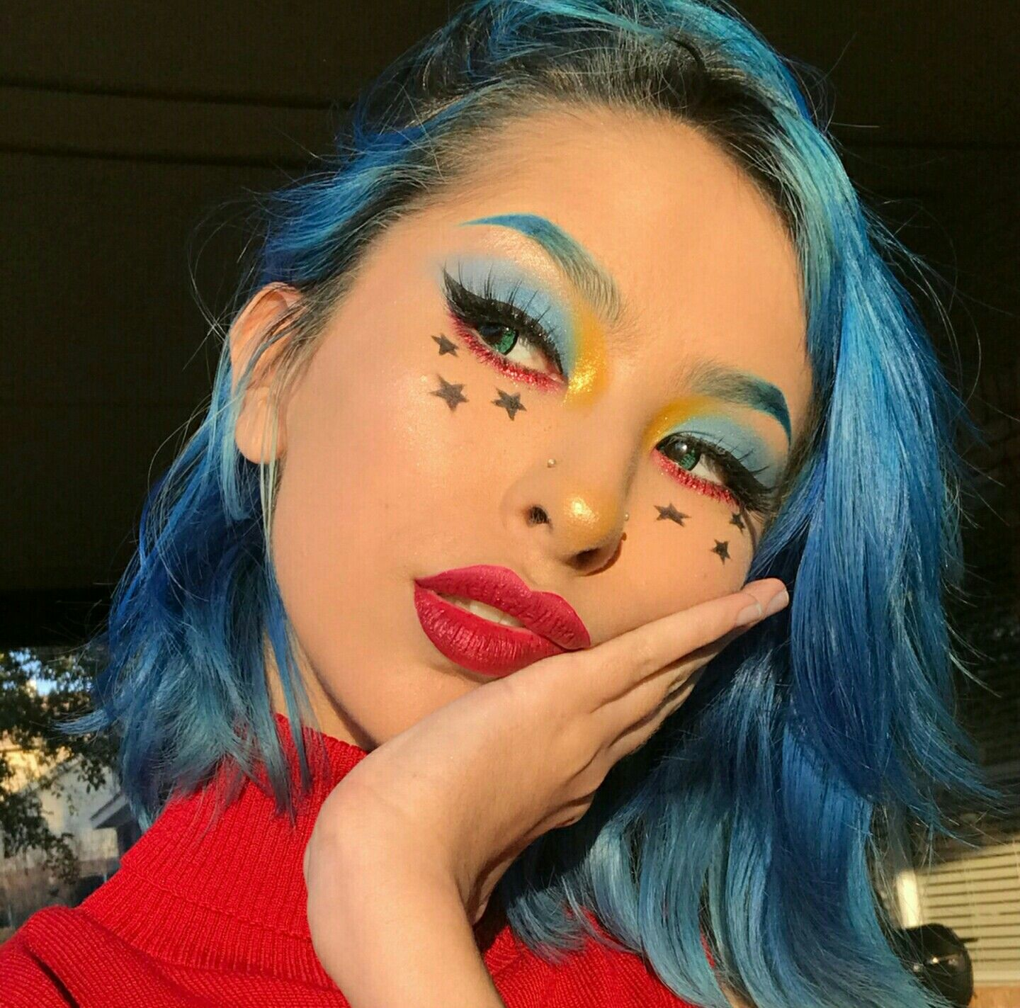 Eyeliner Stars Blue Brows Eyebrow Bright Trend Makeup Look Ideas Inspiration Inspo Cute Makeup Creative Makeup Looks Makeup Inspiration