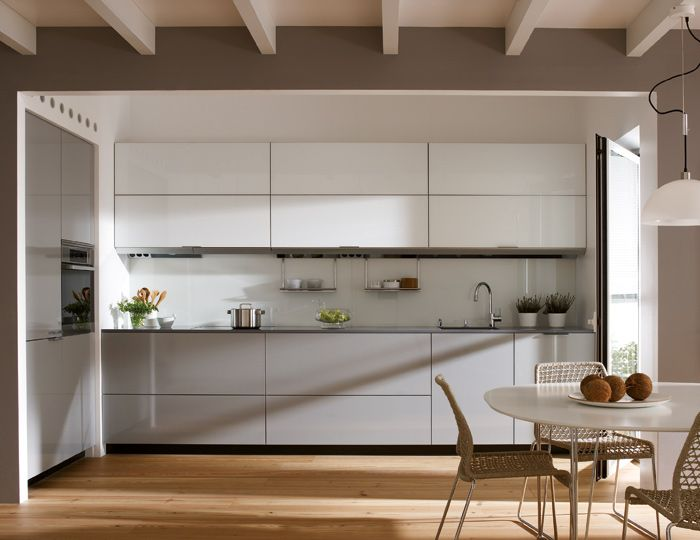 SANTOS kitchen | Functionality and beauty     The kitchen is small and is connected to the living room.