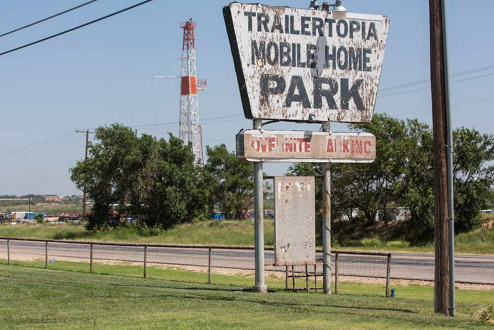 Fracking Rig Across The Road From An Rv Park In Snyder Texas Part Of The Permian Basin Where Fracking Is Done For Oil Snyde Mobile Home Parks Rv Parks Basin
