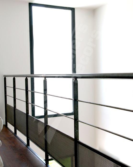 dt63 garde corps m tallique en protection vide mezzanine s curitaire et contemporain pour une. Black Bedroom Furniture Sets. Home Design Ideas
