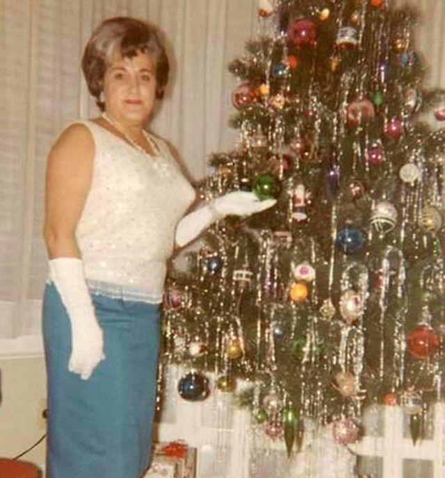 Mid-Century Women Enjoying Aluminum Christmas Trees - Flashbak