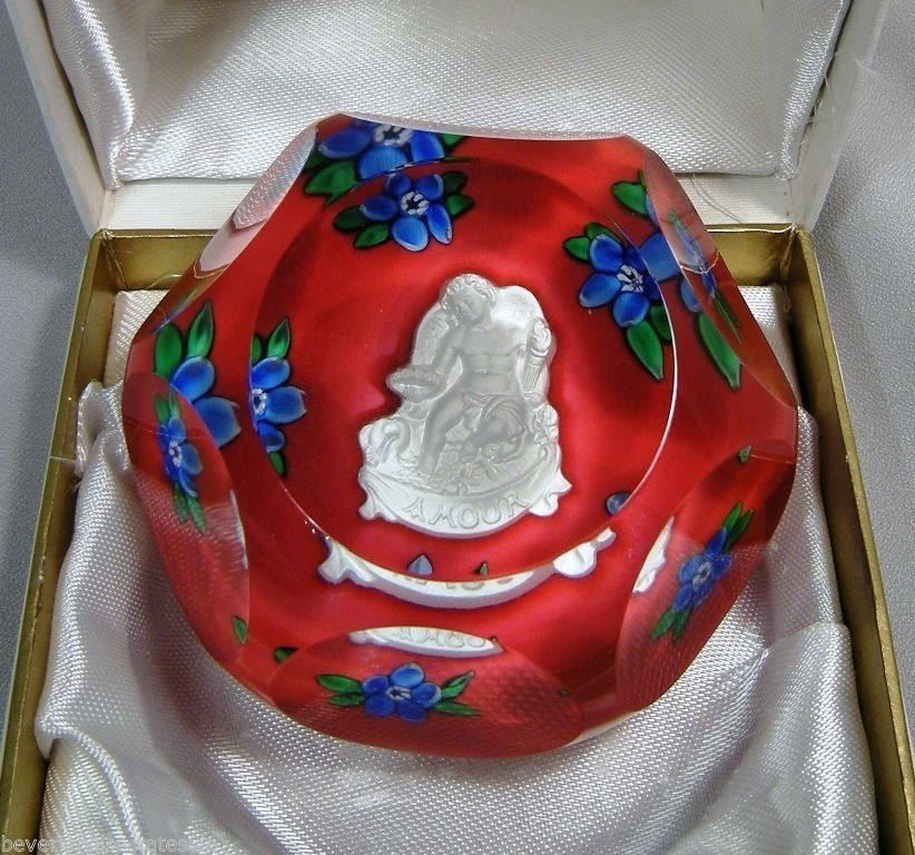 St. Louis Paperweight, Amour Angel Flowers. Asking £523