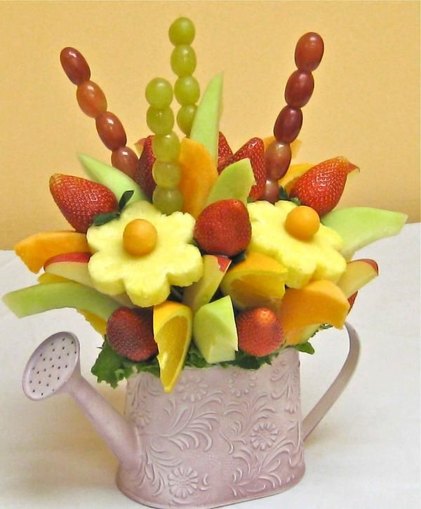 how to make a do it yourself edible fruit arrangement fruit arrangements edible. Black Bedroom Furniture Sets. Home Design Ideas