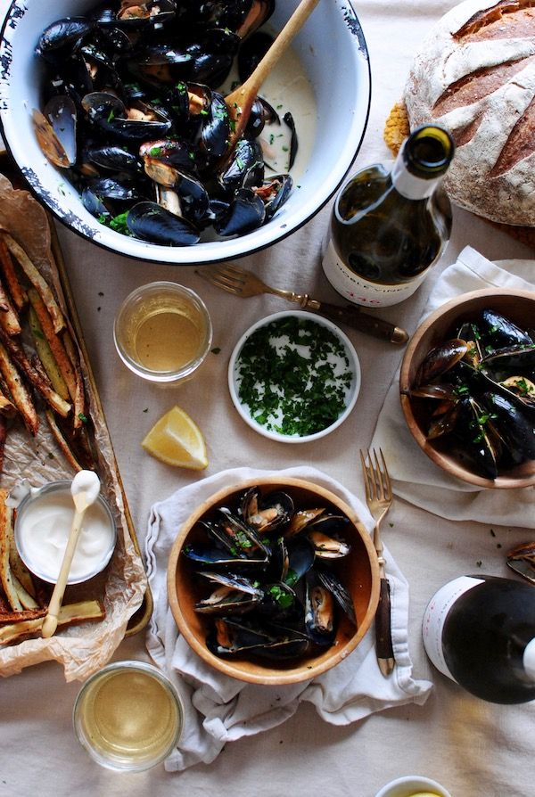 Steamed Mussels with Fries – A Wine Pairing with Noble Vines