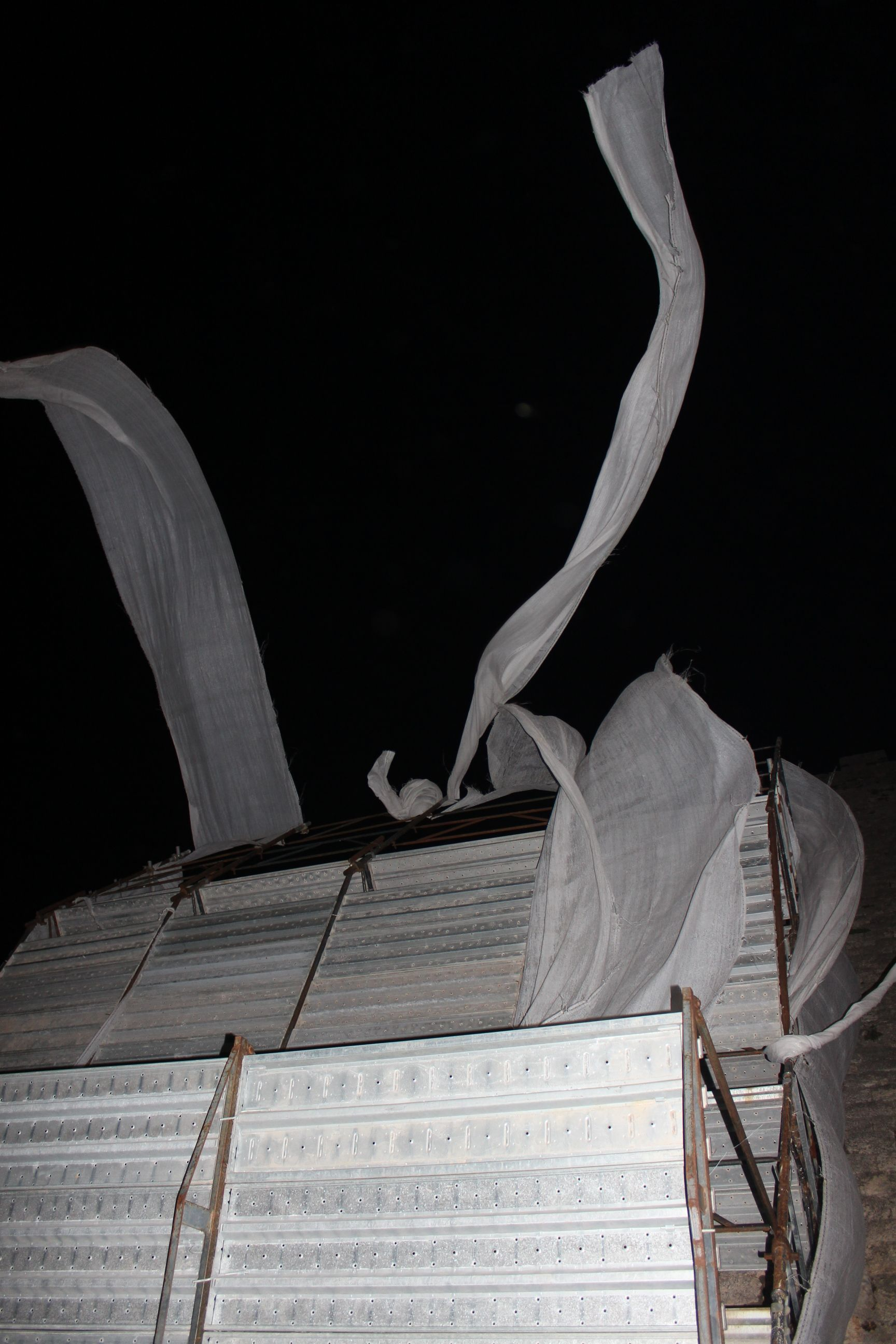 ..l'uomo e il vento...... massa marittima