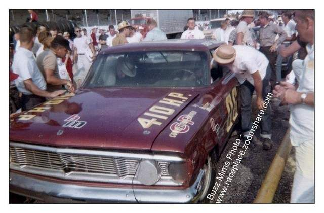 Pit 3 - Pre-Cup Days: #06 Cale Yarborough - 1964