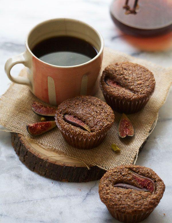 Muffins con higos y café o infusión